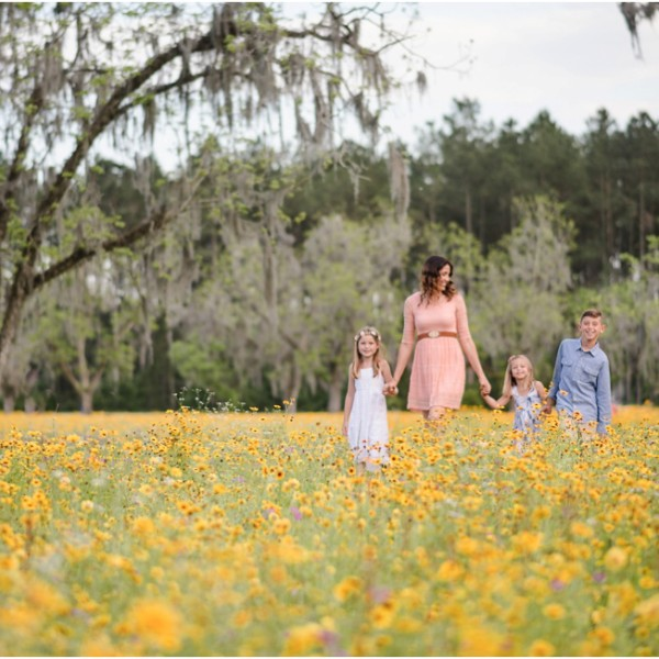 Because family sessions in the Flower Field is what I look forward every Spring.